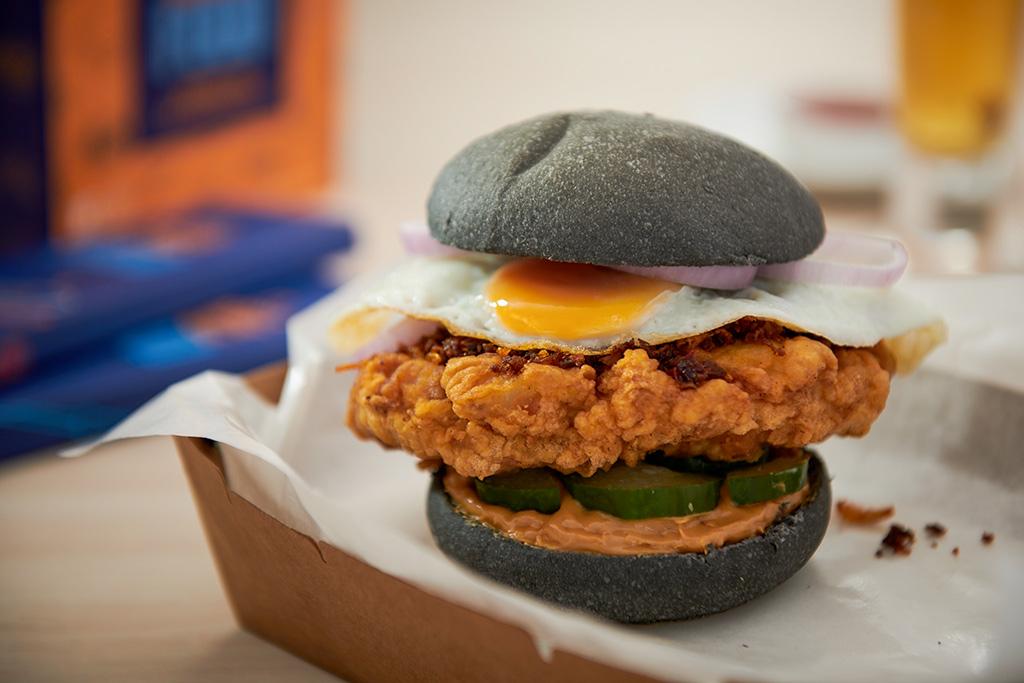 myBurgerLab-x-Mama-Manta---Flamin-Hot-Sambal-Burger
