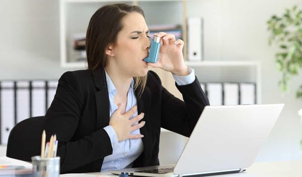 une-trithérapie-réduit-les-crises-asthme-sévères