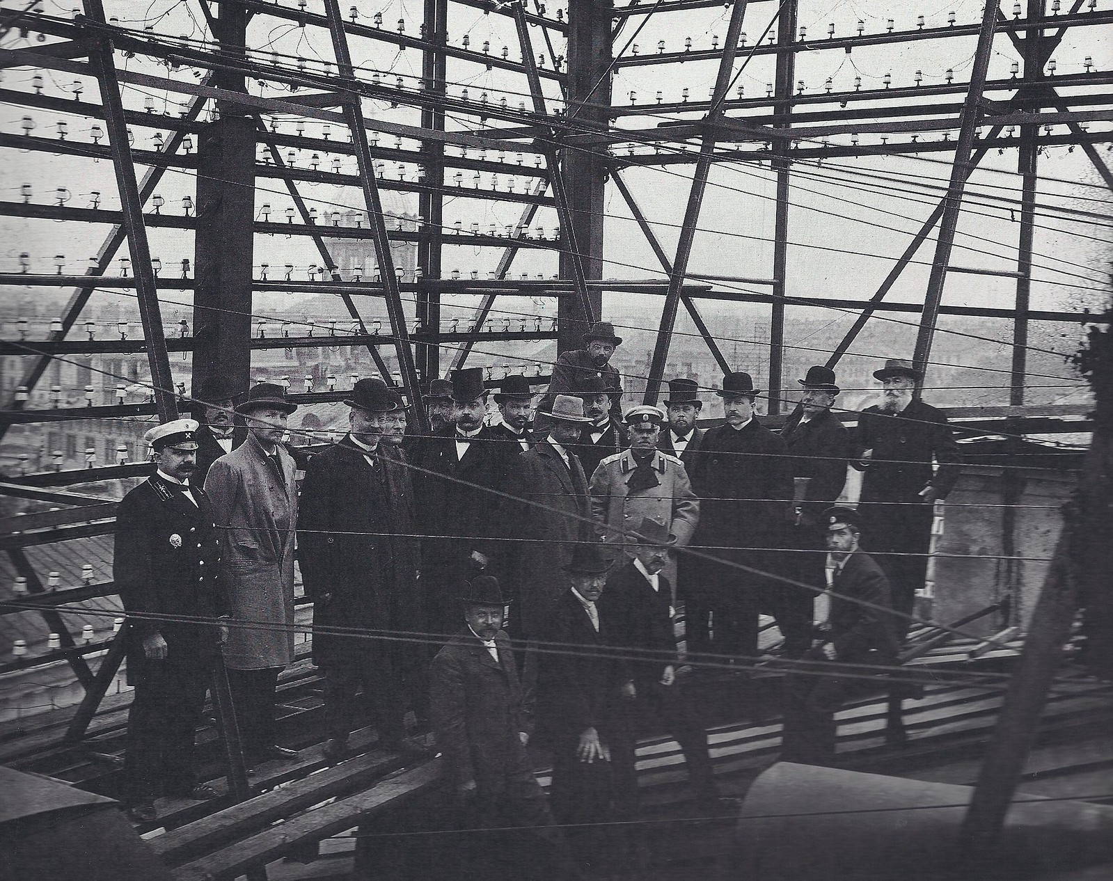1901. Передача телефонной сети от Международной компании телефонов Белла, Городскому общественному управлению