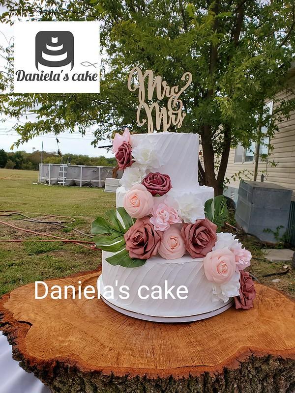 Cake by Daniela's Cake