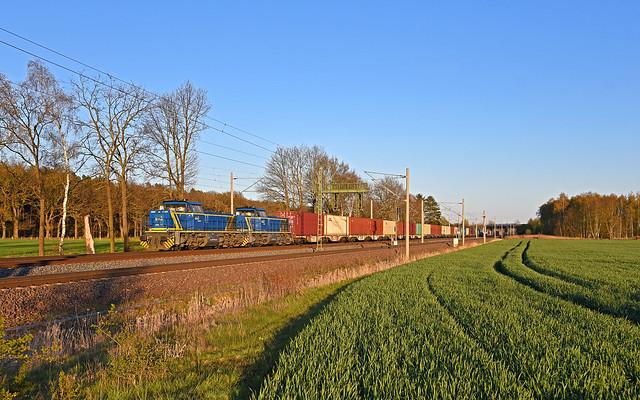 EVB Logistics 275 104 + 275 102 - Borstel