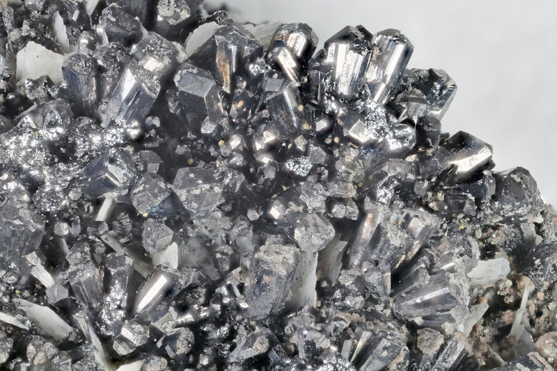 グラトン鉱 / Gratonite