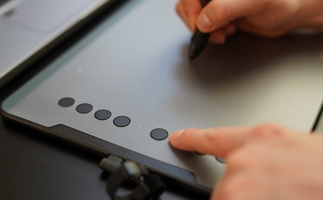 drawing on xp-pen deco 01 v2 graphics tablet