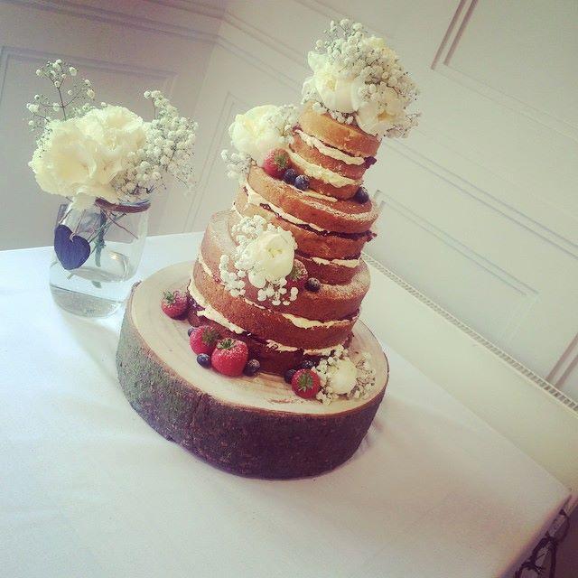 Cake by Love Cupcake & Cheri Bakewells