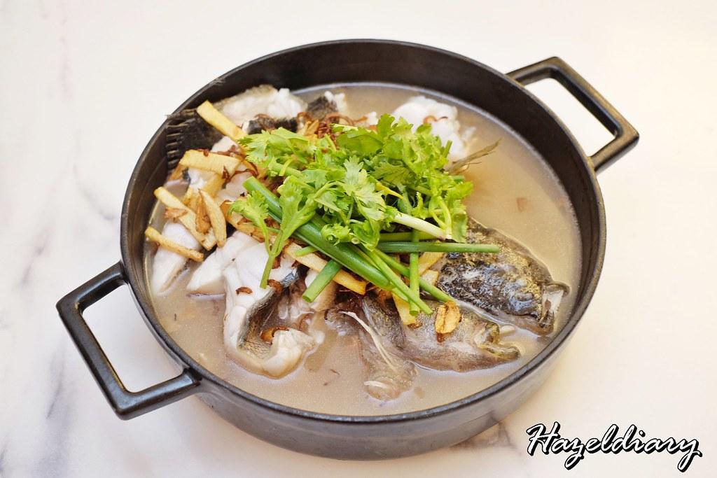 No Signboard Seafood Esplanade Mall-Seasonal Fish in Claypot