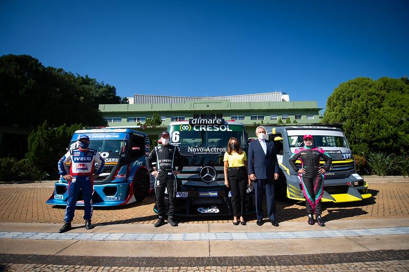 21/05/21 - Governador Ronaldo Caiado recebou os pilotos da Copa Truck no Palácio das Esmeraldas - Fotos: Duda Bairros