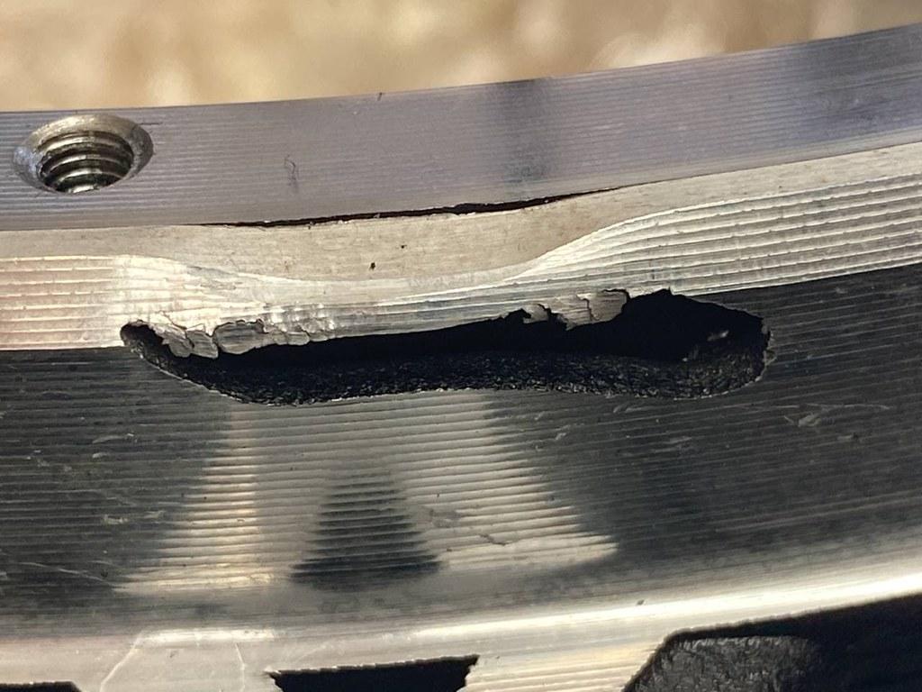 Cracked Sherman rim4