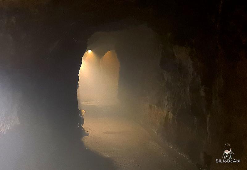 Entramos en las minas de manganeso de Puras de Villafranca (14)