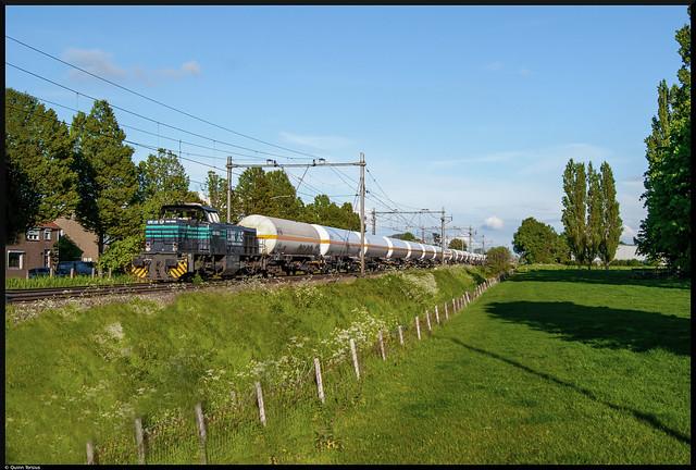 LNS 1553 komt met 27 gasketelwagens door Kapelle, 19 mei 2021
