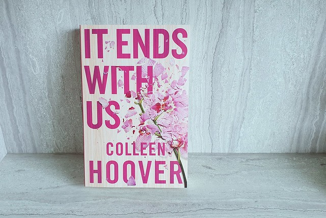 ViktoriaJean Fiction - Colleen Hoover It Ends With Us