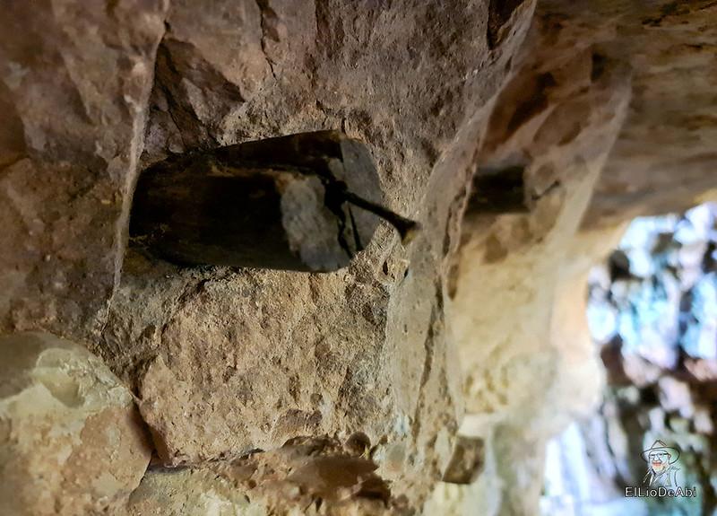 Entramos en las minas de manganeso de Puras de Villafranca (7)