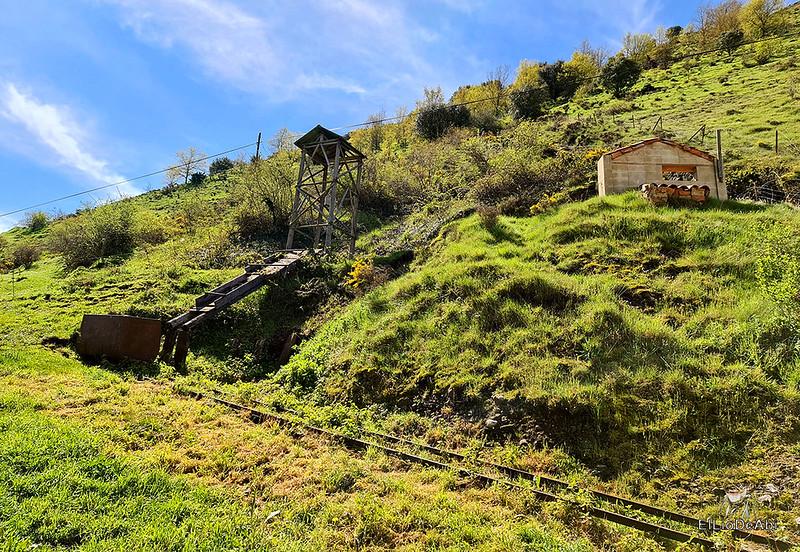 Entramos en las minas de manganeso de Puras de Villafranca (3)