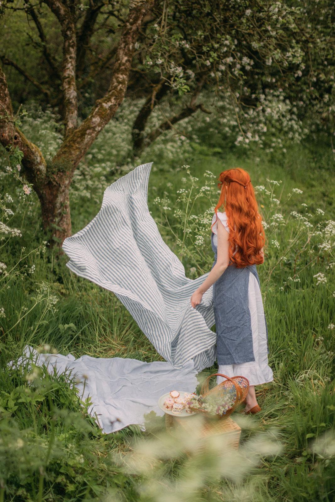 spring hobbit,hobbithearted, cottagecore, cottagecore dress, cottagefairy, fairycore, voriagh, folk fashion, picnic, spring picnic, linen picnic