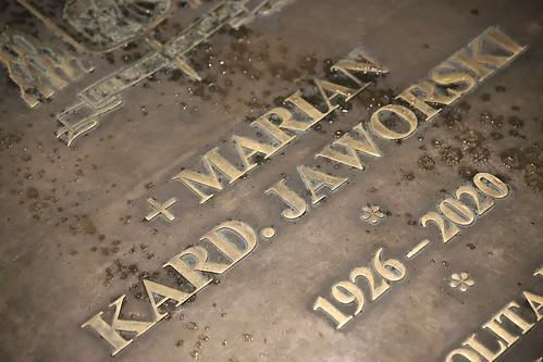 Poświęcenie płyty nagrobnej kard. Mariana Jaworskiego w Sanktuarium Pasyjno -  Maryjnym w Kalwarii Zebrzydowskiej 21.05.2021 r.