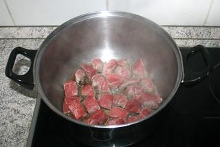 04 - Brown beef / Rindfleisch bräunen