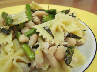 Farfalle with White Beans and Roasted Asparagus