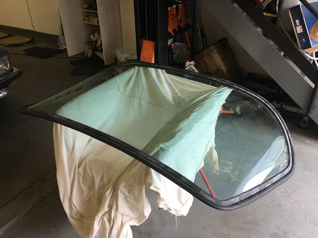 450SLC Rear screen rust