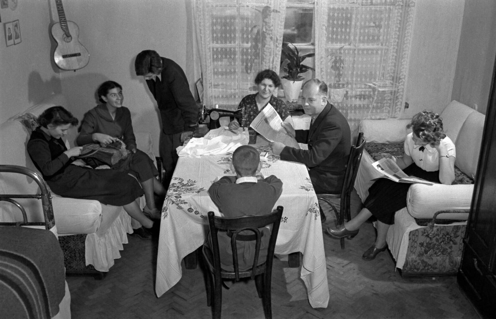 1956. Комната в коммуналке. Москва