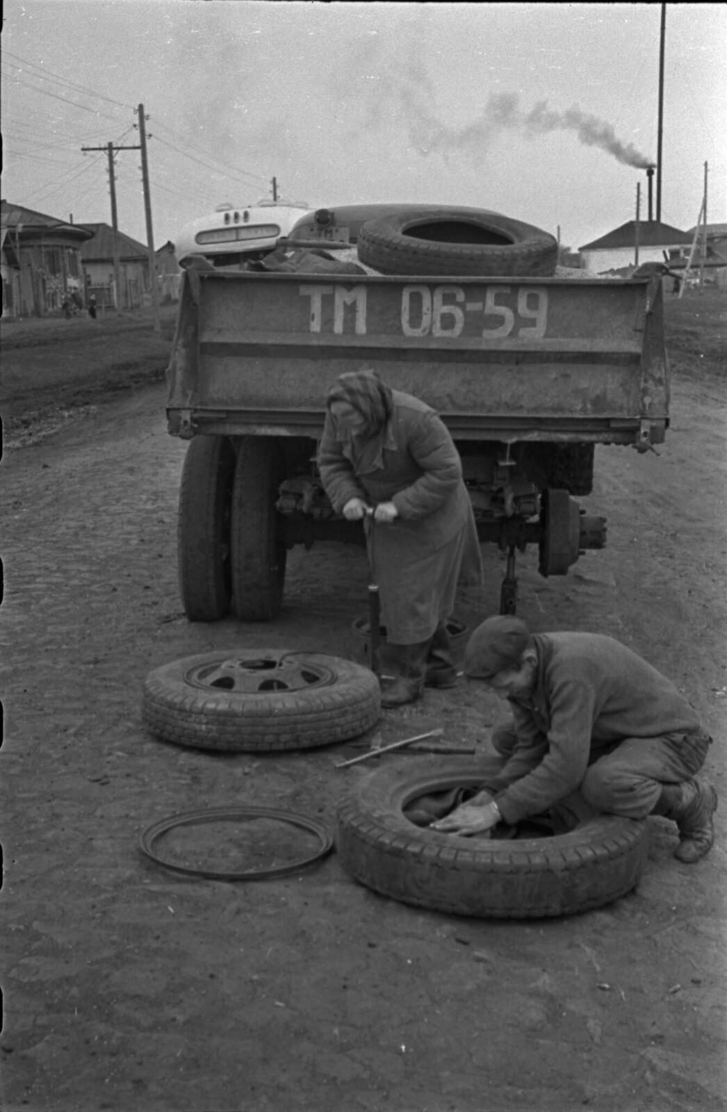 1956.  Замена колеса
