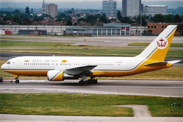 Government of Brunei | Boeing 767-200ER | V8-MJB | London Heathrow