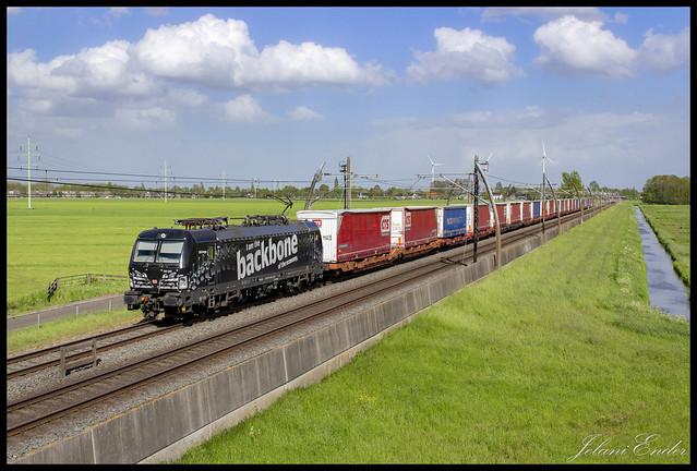 [Hardinxveld-Giessendam, Molenweg] DB Cargo 193 365