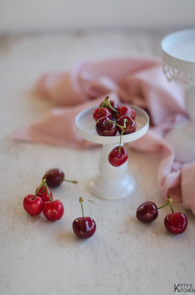Cupcake cioccolato e ciliegie