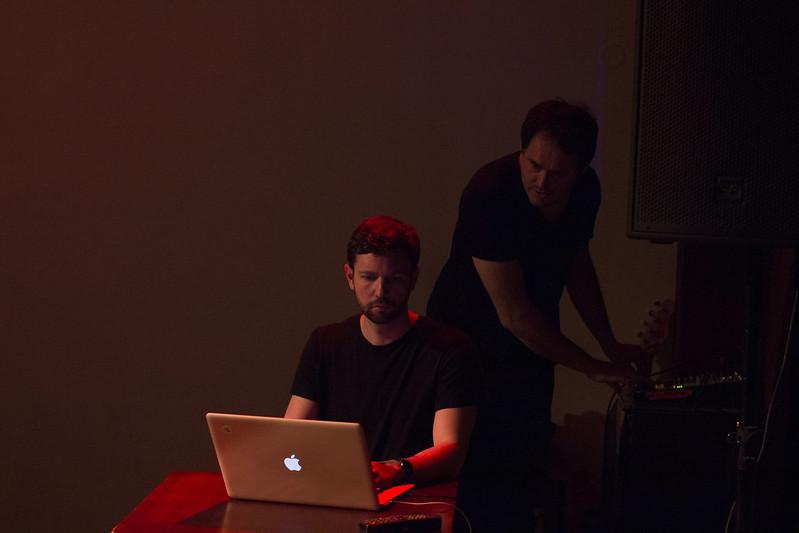 MULTIPLACE #15. Adam Harvey – Počítačové videnie, sledovanie a kamufláž (07.03.2017)