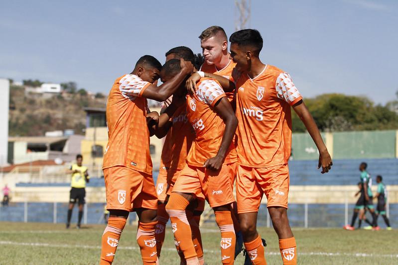 21-05-22 - Mineiro 2021 - Sub-20 - InterDeMinas0x2Coimbra - f - Henrique Chendes (12)