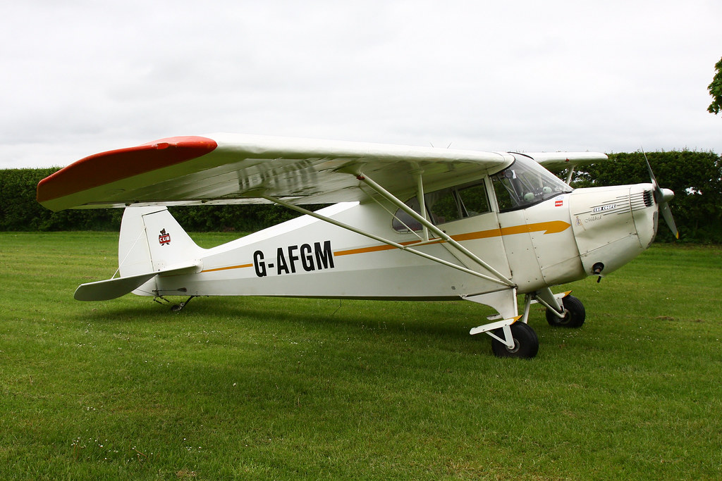 G-AFGM  Piper PA-28-161 Cherokee Warrior II  at Beverley, Linley Hill