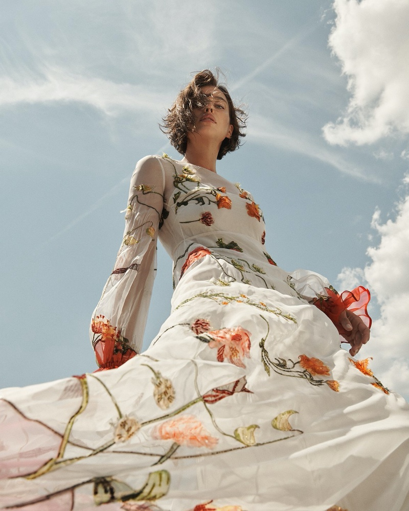 Irina-Shayk-Vogue-Russia-Cover-Photoshoot03