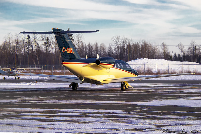 Starlink Aviation Cessna 525 CitationJet CJ1+ C-GIRL YQB
