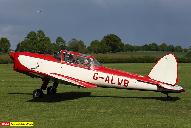 G-ALWB   de Havilland DHC-1 Chipmunk 22A   Private
