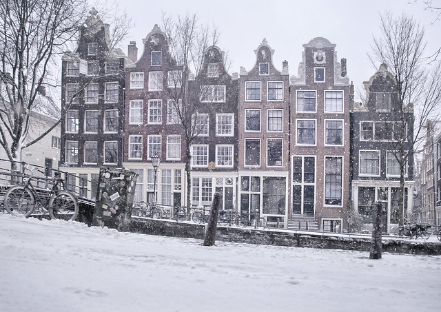 Beautifully restored canal houses on the Brouwersgracht in the winter of 2021