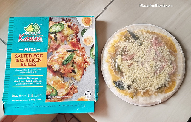 kawan pizza  salted egg and chicken frozen