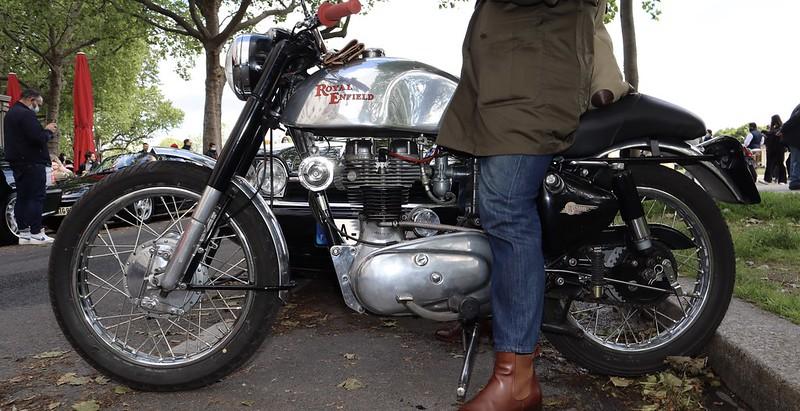Royal Enfield 350 / 1956 - Paris Vauban Mai 2021 51197894143_b4b343b1be_c
