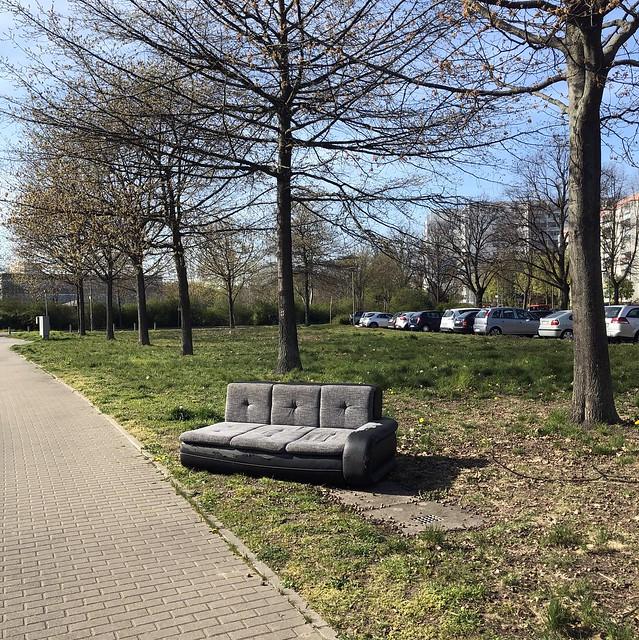 Please take a seat / Darßer Straße / rechts die Barther / Hohenschönhausen