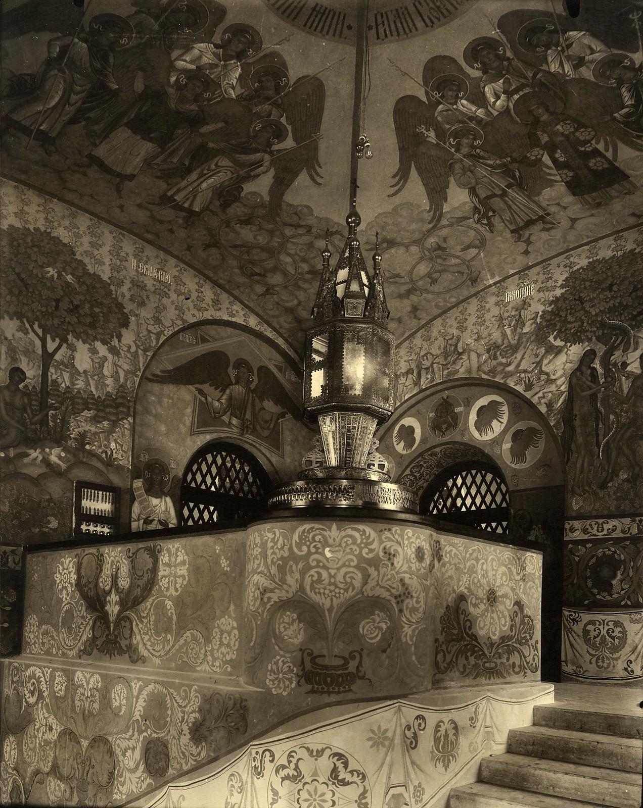 1914. Роспись на лестничьей клетке