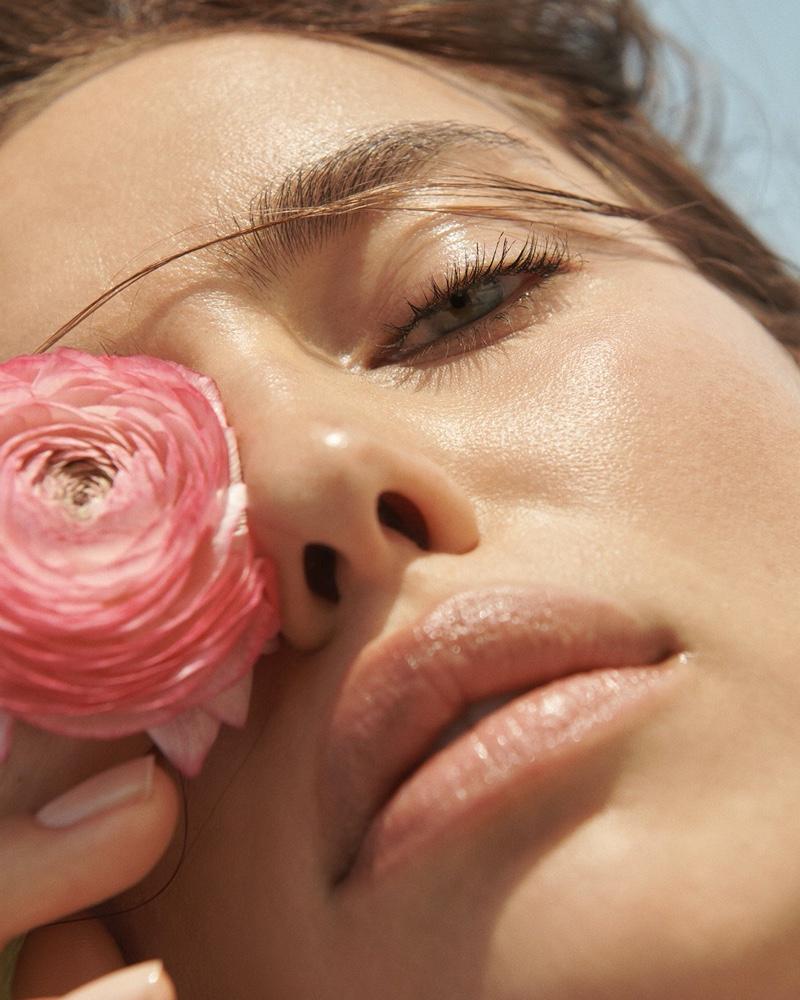 Irina-Shayk-Vogue-Russia-Cover-Photoshoot04