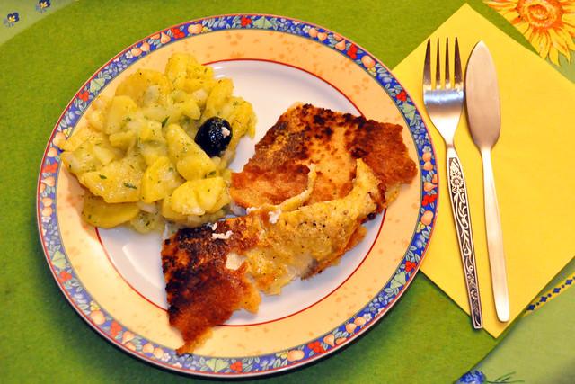 Mai 2021 ... Mai-Scholle, paniert gebraten, dazu: saftiger Kartoffel-Gurken-Salat ... Brigitte Stolle