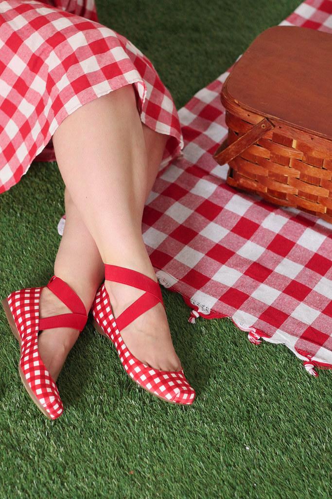retro summer picnic