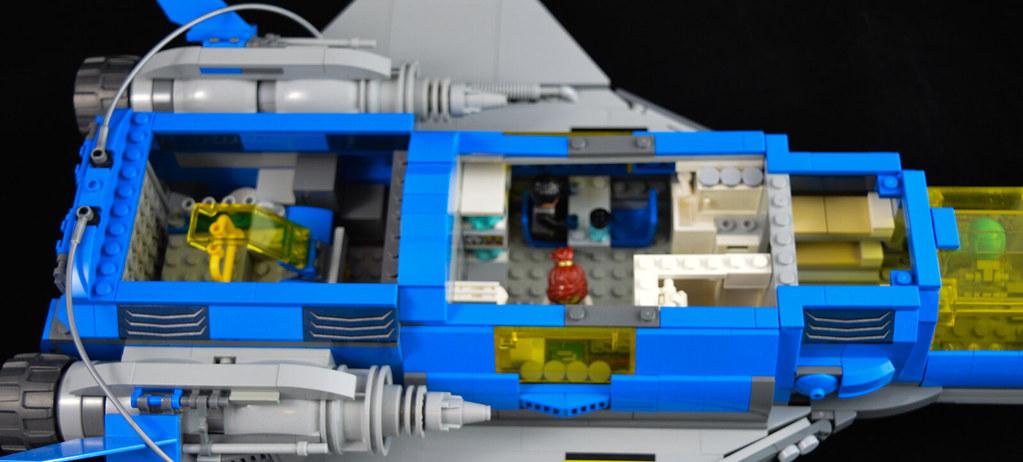 Explorer Cruiser 09 Interior 2