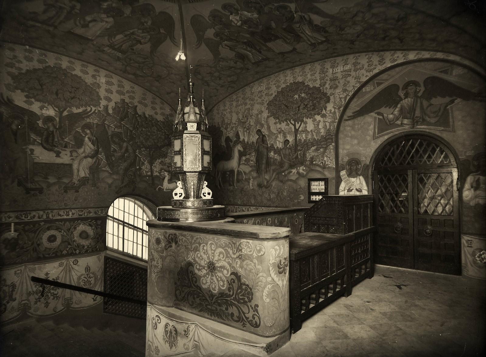 1914. Верхяя часть лестничной клетки с росписью