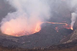 Il pericoloso vulcano Nyragongo è tornato in attività