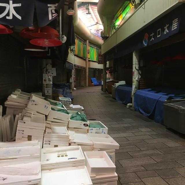 日曜日の近江町市場