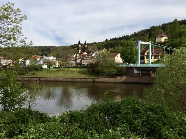 Mettlach - Saar, Brücke und Kirche