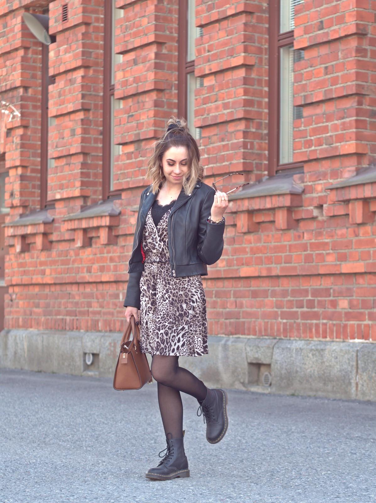 leopard dress outfit ideas