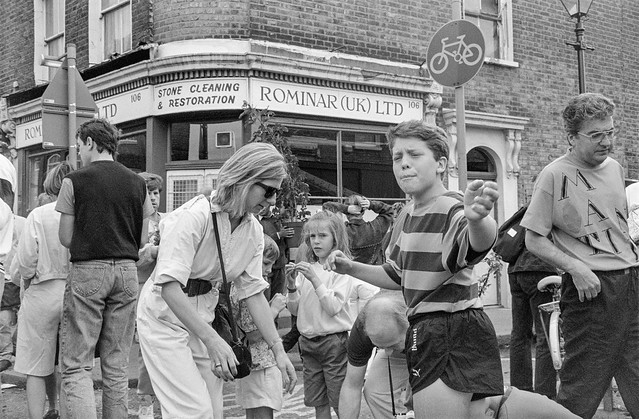 People, Flower Market, Columbia Road, Shoreditch, Tower Hamlets, 1990, 90-64-26