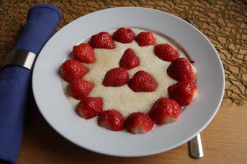 Quark mit frischen Erdbeeren (mein Teller)