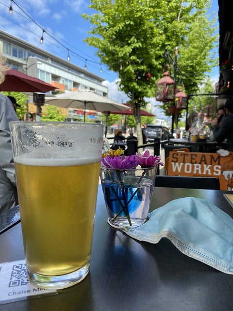 My Little Brown Friend somehow learned of my plan to walk the length of Great Britain.  He said he'd buy me a beer if I walked from Kitsilano and meet him at the Chaise. (6.5 km)  No sweat! A beautiful day for a stroll on the Great Left Coast.
