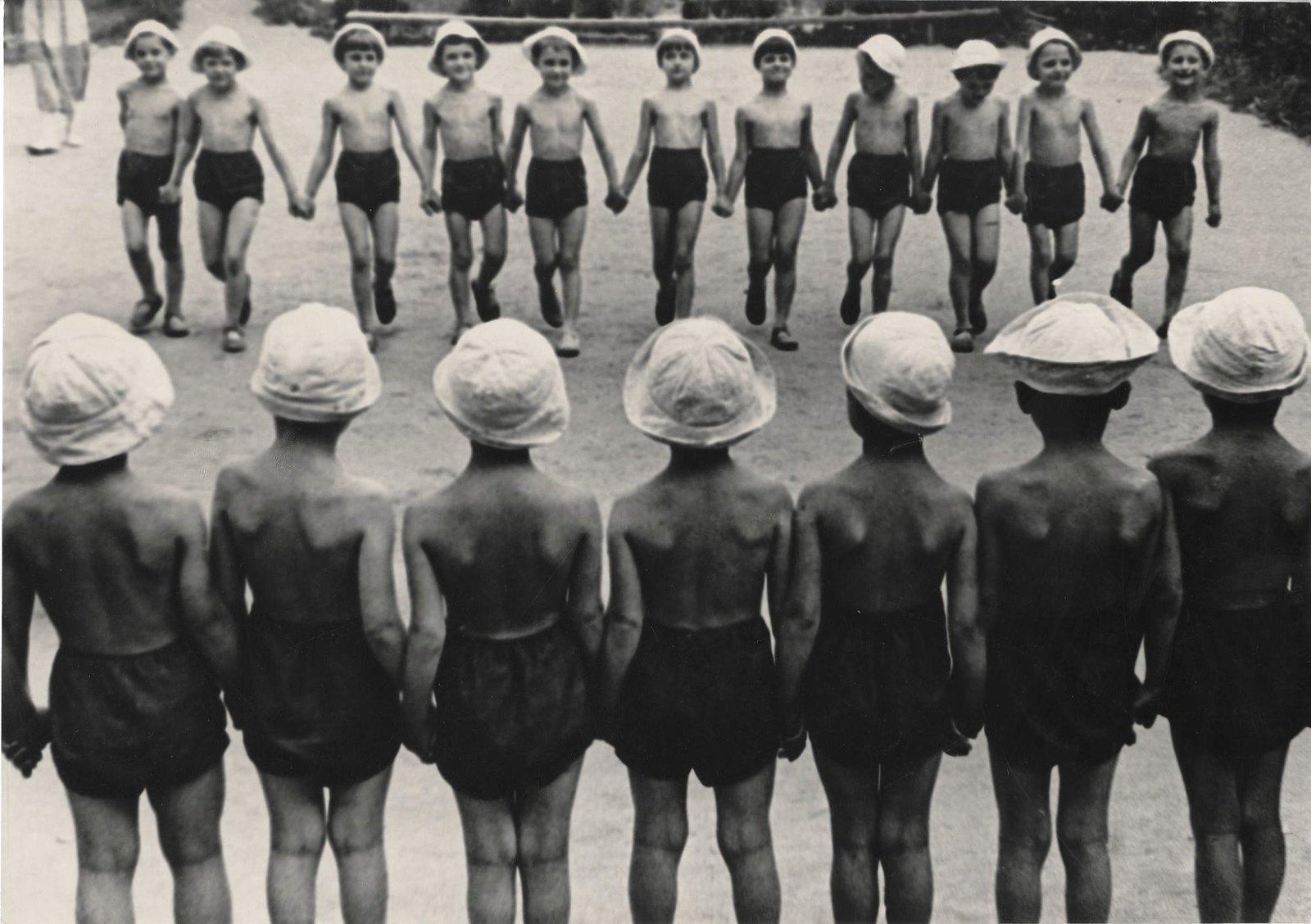1937. Детский сад на даче